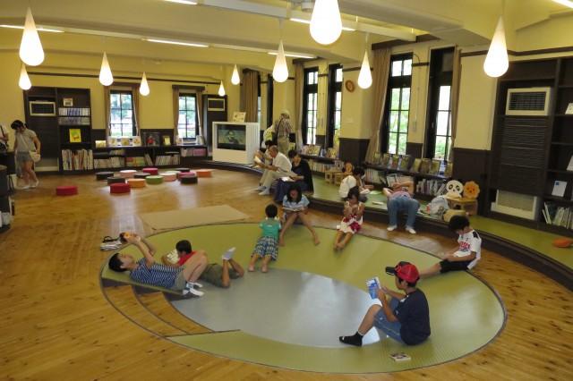 子ども図書館